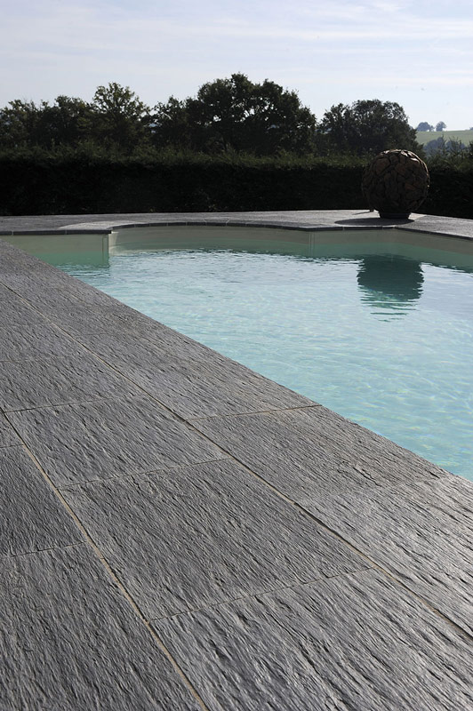 Terrasse piscine carrelee for Piscine imitation bois